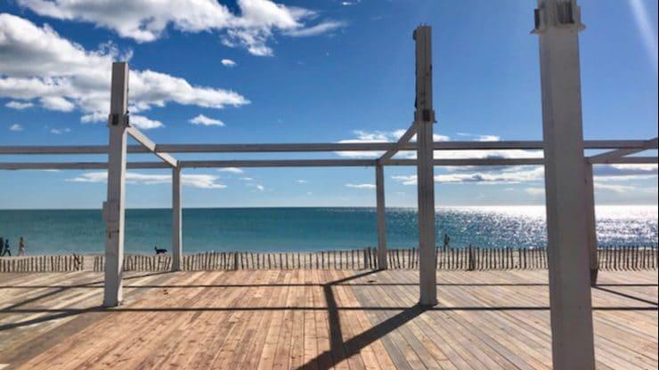 Montpellier : Le Carré Mer monte sa plage privée
