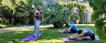 Fais ta séance yoga au Château de Flaugergues
