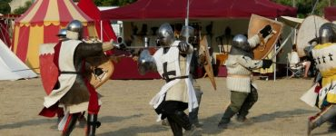 Journées du Patrimoine les chevaliers envahissent l'abbaye de Valmagne