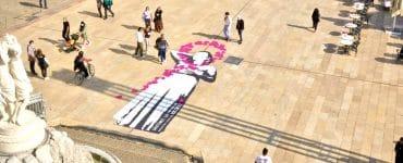 Une fresque géante pour dire stop au cancer du sein