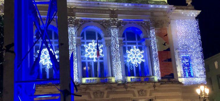 L'Opéra Comédie en bleu pour célébrer les droits de l'enfance