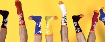 Montpellier: Cruel Dilemmeose les chaussettes dépareillées et colorées