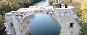 Lunel : Les Synapson mixent sur un pont romain