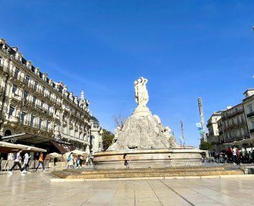 Montpelier dans le Top 5 où les gens sont les plus beaux On entend souvent dire que Paris est la plus belle ville du monde. Mais selon un classement publié récemment, ses habitants ne sont pas vraiment les plus élégants. Si vous cherchiez une ville où il y a des beaux gosses et de jolies demoiselles. N'allez pas plus loin que… Montpelier. Bref, restez ici ! Montpellier est dans le top 5 de ce classement totalement loufoque publié par le site Topito. Selon le site, les montpelliérains doivent leur beauté au cadre de vie, au soleil et au bon air des plages. Bordeaux est en tête de ce classement pour la 3ème année consécutive et là c'est le bon vin et la bonne chère qui plait. Paris et Lyon complètent le podium. Suivent Toulouse, Montpellier et Nice